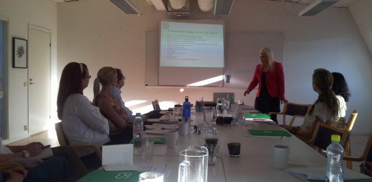 Hanna-Karin Grensman håller workshop på temat Karriärrebell.